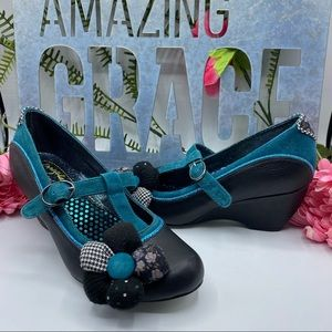 Irregular Choice Sz 6 1/2 Mutiny Blue Blk Flower